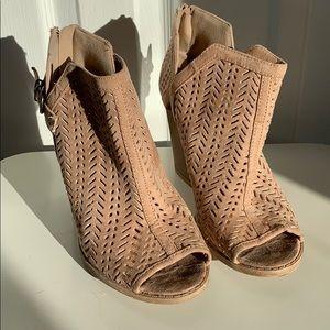 Charlotte Russe size 7 peep toe sandals
